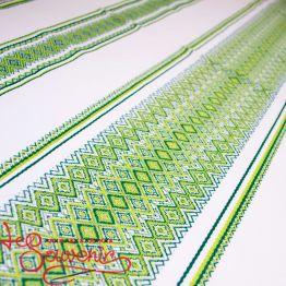 Вышитая скатерть зелёная EVS-1002