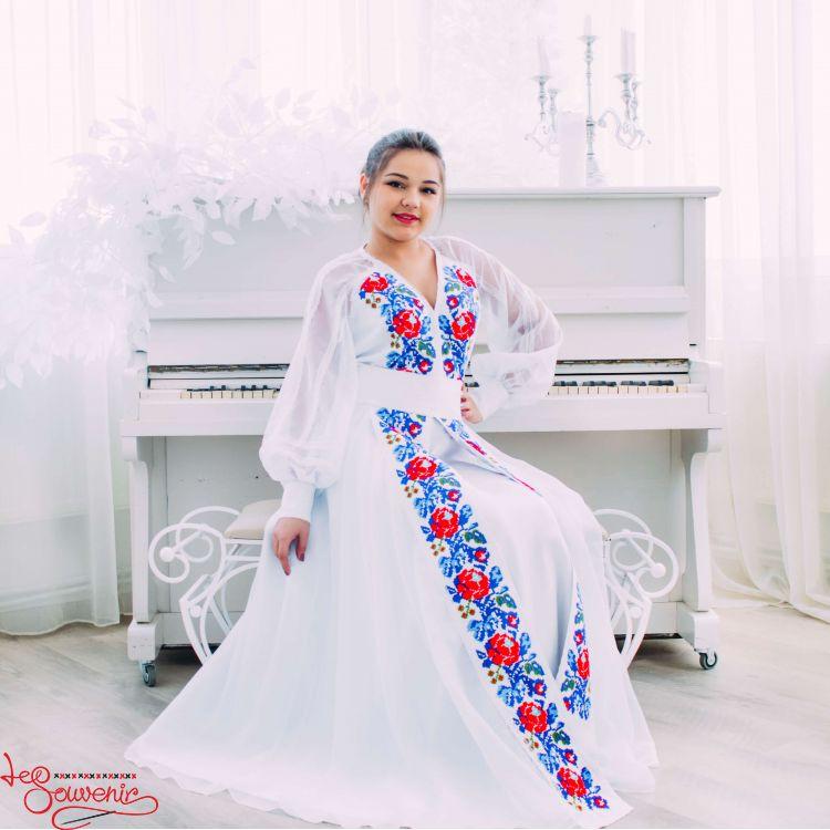2fe12814a4c Свадебное платье с цветочной вышивкой VSU-1152