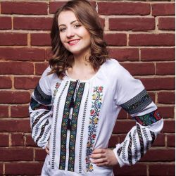 Вишитий одяг гуртом та в роздріб купити у Київ c34fa4abf1589